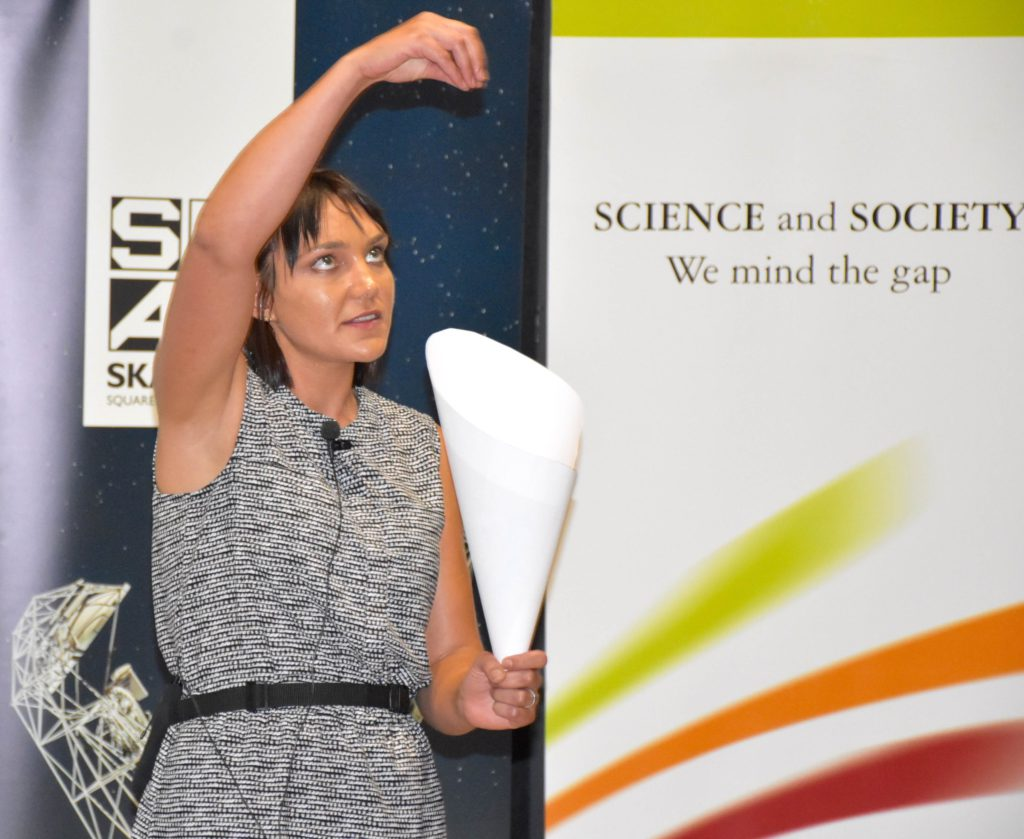 Vereese van Tonder explains her science during the SKA FameLab heat